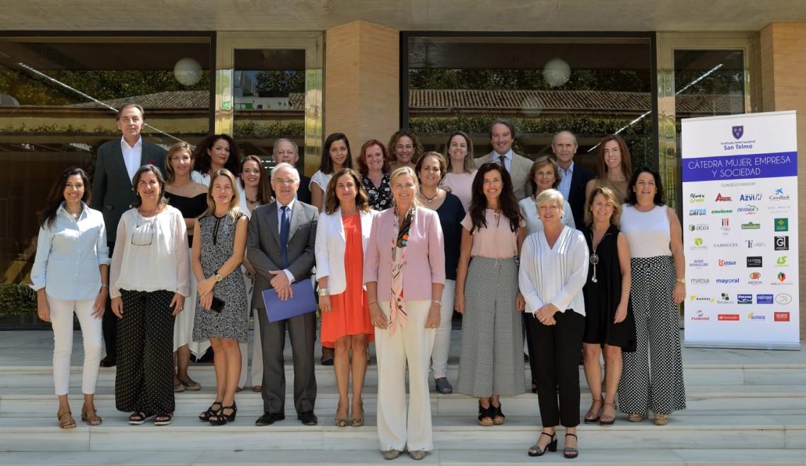 Mujer empresa y Sociedad