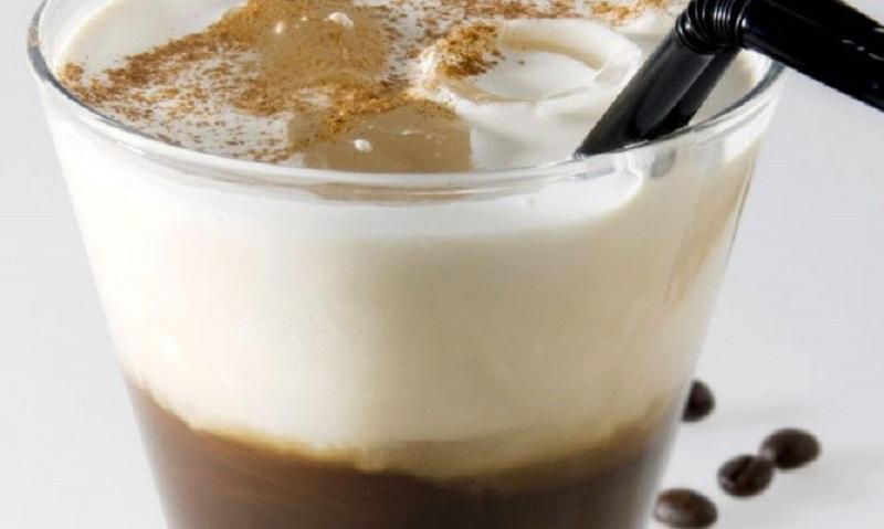 cócteles preparados con café