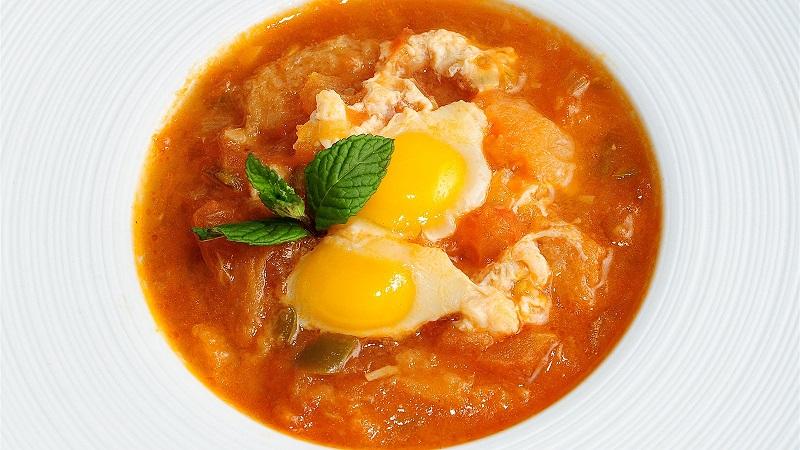 sopa de tomate malagueña